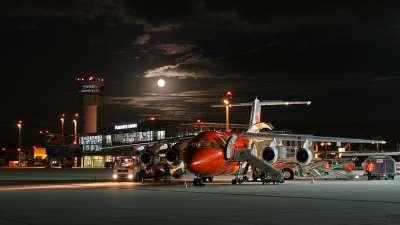 Airport-am-Abend.jpg