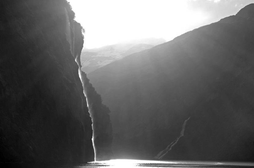 Fjord_1.600.jpg